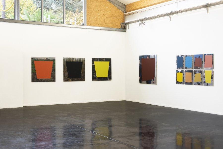 Les carrés noirs colorent nos vies